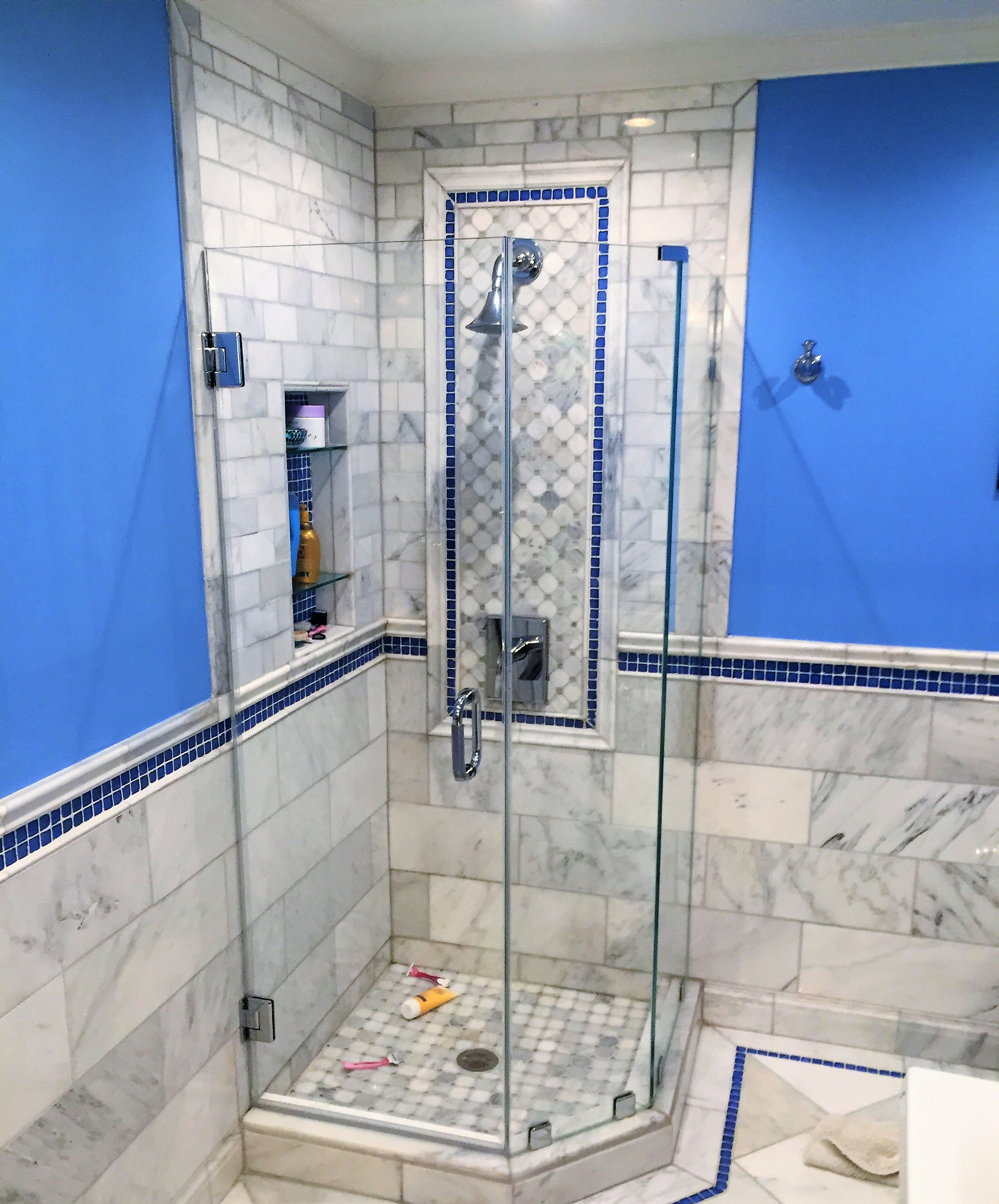 Woodbridge-va-bathroom-renovation-stone-tiles