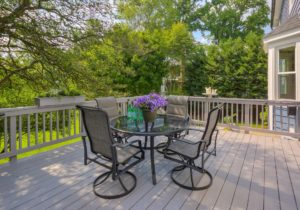 Three Custom Deck Renovation Tips to Prepare for Winter